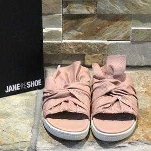 c9a6d95a8a5 NIB Jane   the Shoe Dusty Rose bow slides